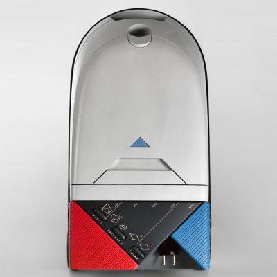 Bodenstaubsauger (Schaumstoffmodell, Farbvariante) . EGS (Produkt Design: Andreas Kuhrt 1991)
