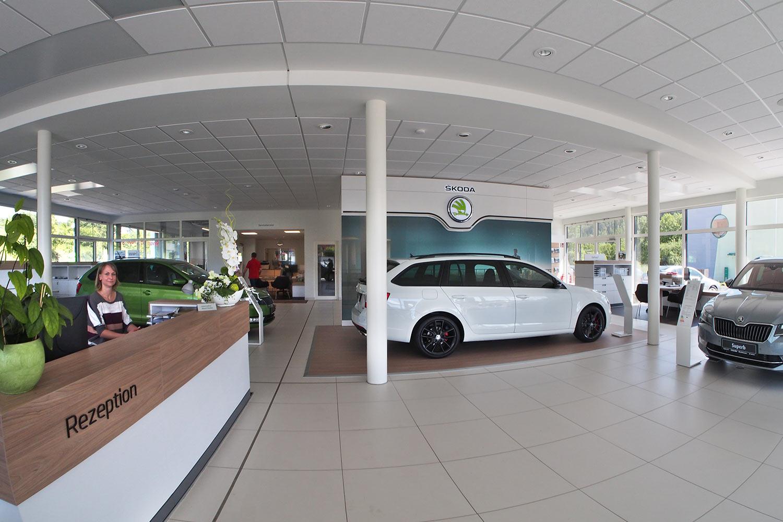 2016 eckardt automobile autohaus innen em080546mh designakut for Produktgestaltung studium